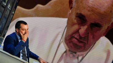 """Dimanche, le pape François a lui aussi évoqué les récents naufrages au large de la Libye et lancé un nouvel appel à la communauté internationale à """"garantir la sécurité, le respect des droits et la dignité de tous""""."""