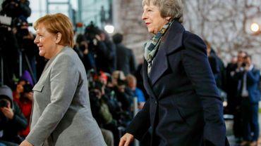 La chancelière allemande Angela Merkel (à gauche) et la Première ministre britannique Theresa May le 11 décembre 2018 à Berlin