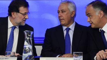 Mariano Rajoy, Premier ministre (à gauche), Javier Arenas, secrétaire adjoint du parti populaire (au milieu) et Esteban Gonzalez Pons, porte-parole du Parti populaire (à droite).
