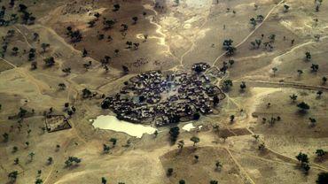 La raréfaction des terres disponibles met les communautés nomades peules en opposition avec les populations d'agriculteurs