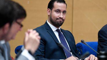 L'Élysée accuse Benalla d'avoir obtenu un passeport de service grâce à un faux