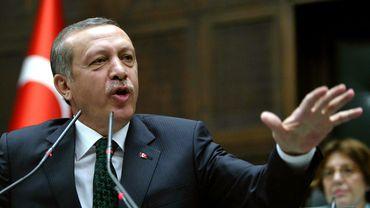 """Turquie: R. Erdogan rencontre des """"contestataires""""... choisis par ses soins"""