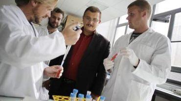 Gilles-Eric Séralini a déjà travaillé pour le gouvernement français. Il était chargé d'évaluer les OGM.