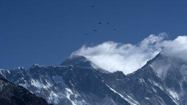 L'Everest rouvre suite à l'assouplissement des restrictions concernant le coronavirus
