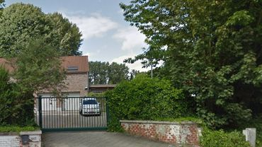Ce commissariat de police d'Anderlecht, situé rue de Neerpede dans le quartier du même nom, abrite  la brigade canine de la zone Midi.
