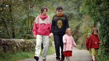 Un couple homosexuel avec leurs deux enfants