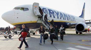 La compagnie aérienne irlandaise Ryanair a annoncé une progression du nombre de passagers transportés sur son exercice 2014/15 conforme à ses attentes, avec un bond de 28% en mars