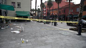 De nombreuses personnes se trouvaient sur cette place aux nombreux bars et où se produisent habituellement des formations de mariachis. Le lieu était particulièrement fréquenté alors que le Mexique commémore son indépendance les 15 et 16 septembre.