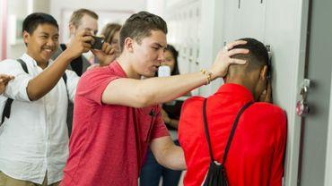 """Harcèlement à l'école: les enfants """"bourreaux"""" peuvent être sujets à des troubles mentaux."""