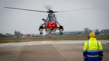 Deux des anciens Sea King militaires sauvés et rachetés par une association britannique