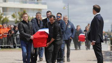 """France: les sauveteurs des Sables-d'Olonne sont """"morts en héros"""", déclare Emmanuel Macron"""