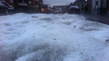 A Trivières, le sol a été recouvert de 10 cm de grêle.