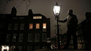 A Londres, les allumeurs de réverbères attisent les feux de l'Histoire