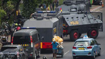 Indonésie: la police arrête des femmes transgenres et leur coupe les cheveux