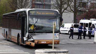 Le bus endommagé