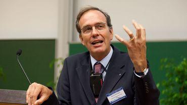 Professeur d'économie à l'université de Halle Wittenberg dans l'Est de l'Allemagne, Ulrich Blum constate que l'économie de la République fédérale fait comme toutes les autres: se battre sur les salaires. Une erreur stratégique à long terme.