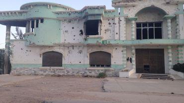 """Le désespoir des Libyens: """"Les négociations pour la paix font surtout vivre les grands hôtels"""""""