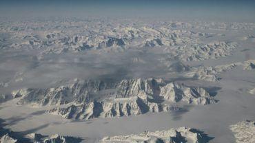 La côte nord-est du Groenland vue depuis un avion de la Nasa, en mars 2016