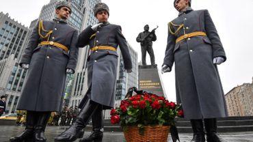 La Russie célèbre le centenaire de l'inventeur de la Kalachnikov, un exemple de patriotisme