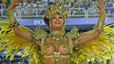 Dernière nuit d'un carnaval de Rio qui en veut à Bolsonaro
