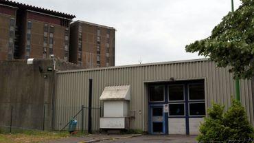 """La prison de Lantin va être en partie démolie mais une """"prison bis"""" de 312 places sera construite, juste à côté."""