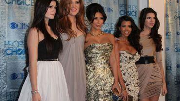 De gauche à droite, Kyllie Jenner, Khloe Kardashian, Kim Kardashian, Kourtney Kardashian et Kendall Jenner.