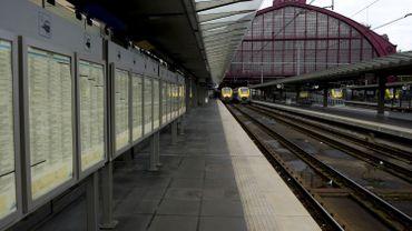 """Grève à la SNCB: """"Toutes les options restent ouvertes"""", selon les syndicats"""