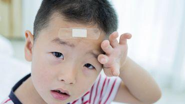 Une légère blessure à la tête peut affecter le comportement du jeune enfant