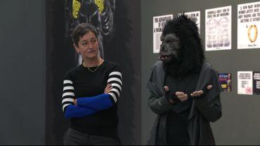 Maïté Vissault, commissaire de l'exposition RESISTANCE et Frida Kahlo, fondatrice des Guerrilla Girls