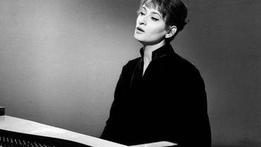 """""""Barbara - Chansons pour une absente"""" : portrait de la dame en noir"""