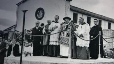 La croix du Christ de Jean Paul II tombe et écrase un jeune touriste