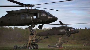 85 hélicoptères de l'armée américaine en transit par la base de Chièvres