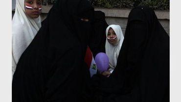 Des manifestantes en faveur des Frères musulmans lors d'une manifestation au Caire sur la place Tahir le 12 février 2011