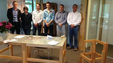 Presentation à marche de meubles pour un nouvel espace de bureaux