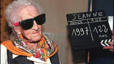 Jeanne Calment, la doyenne arlésienne de l'humanité, dans sa maison de retraite, le 20 février à Arles, à la veille de son 122ème anniversaire
