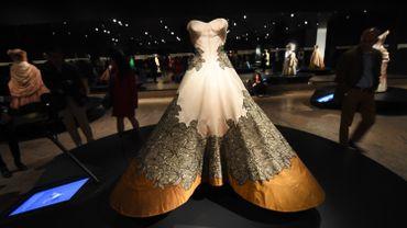 """Vue de l'exposition """"Charles James: Beyond Fashion"""" au Metropolitan Museum, à New York"""