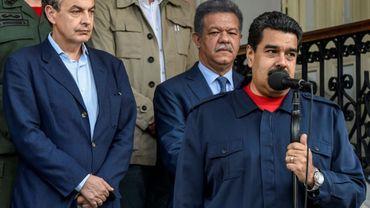 Le 21 juillet 2016 le président vénézuélien Nicolas Maduro(D) aux côtés de l'ancien chef du gouvernement espagnol Jose Luis Rodriguez Zapatero (G) à Caracas