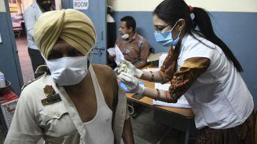Le géant indien des vaccins demande à Biden de mettre fin à l'embargo sur ses matières premières