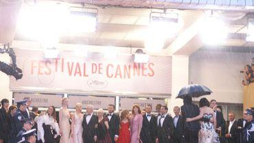 L'image de la soirée : l'équipe de Gatsby sous une pluie battante