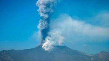 L'aéroport de Catane en Sicile fermé en raison de cendres volcaniques de l'Etna