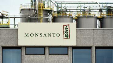 Photo du site de production de Monsanto à Lillo près d'Antwerp en Belgique, me 24 mai 2016