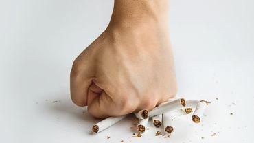 Si l'arrêt du tabac améliore l'état des poumons, réduire la cigarette est insuffisant