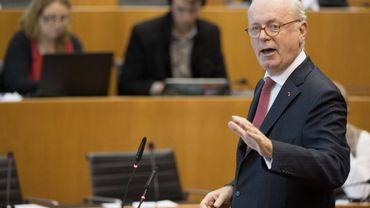 Baromètre: les Belges rejettent les cumuls entre un mandat politique et un métier