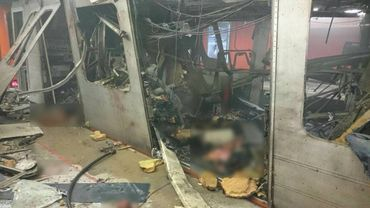 Rame de métro après l'explosion dans la station.