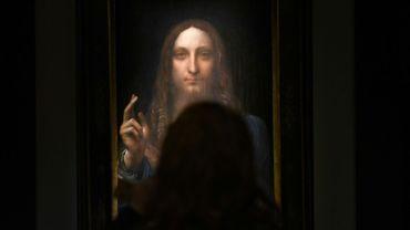 Le tableau du peintre italien Léonard de Vinci adjugé 450,3 millions de dollars photographié le 3 novembre 2017 à New York