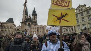 Coronavirus en Tchéquie : indignation après le port de l'étoile jaune par des manifestants à Prague