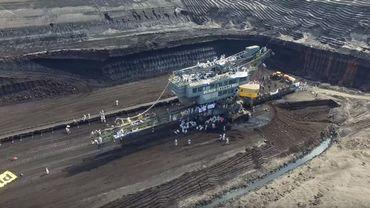 """Des milliers de personnes ont bloqué l'accès à une mine de charbon en Suède entre le 13 et le 15 mai, selon les organisateurs du mouvement """"Endel Gelande"""""""