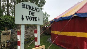 L'école du cirque de Charleroi a choisi les élections comme thème pour sa saison 2018-2019