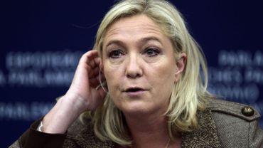 Charlie Hebdo: Marine Le Pen veut suspendre Schengen