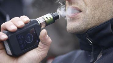 Un utilisateur d'une e-cigarette brûlé après l'explosion de sa batterie